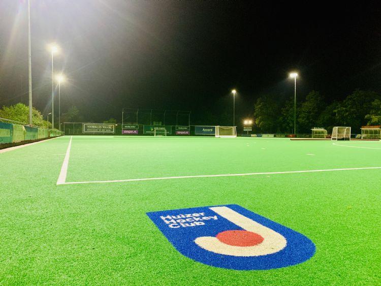 Ook Huizer Hockey Club is voorzien van nieuwe ledverlichting.