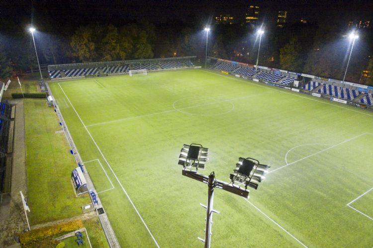 Sportverlichting.com installeerde onder meer ledverlichting bij AGOVV.