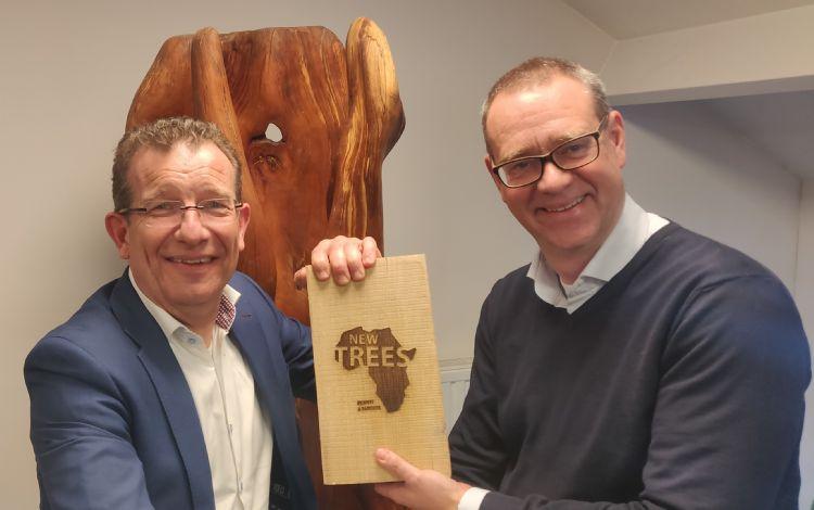 Directeur Dirk Doornenbal (rechts) met Alberto Palsgraaf van NWST (links)