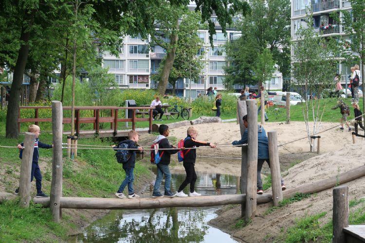 Spelen en bewegen aan de Willem Marislaan. Foto: OBB